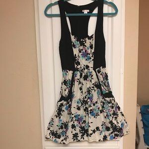 Xhilaration Dresses - 🍋 Xhilaration Halter Dress with Pockets
